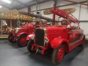 2 old fashioned Fire Engines